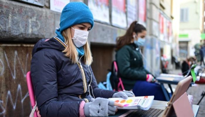 იტალიაში მოსწავლეები სკოლის დახურვას აპროტესტებენ