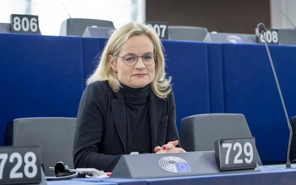 Viola VON CRAMON-TAUBADEL in the EP in Strasbourg